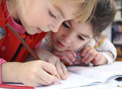 enfant-qui-dessine