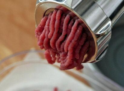 Le hachoir à viande professionnel, l'équipement incontournable du restaurateur