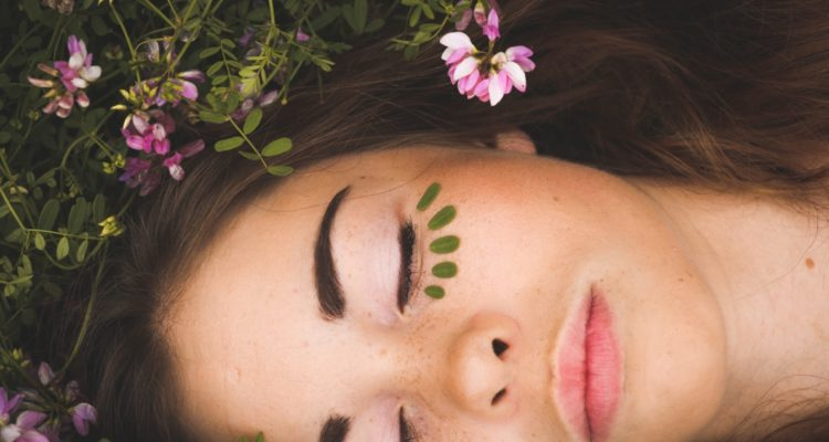 massage du visage et rajeunir
