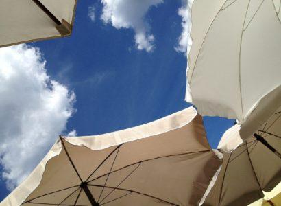 parasols modernes et élégants